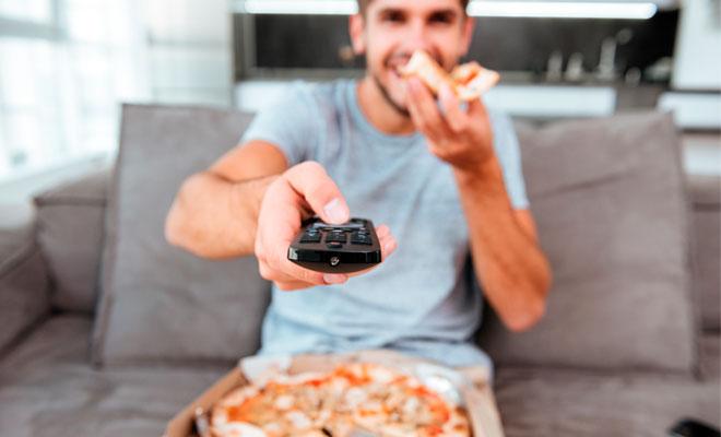 5 consecuencias de pasar muchas horas viendo TV