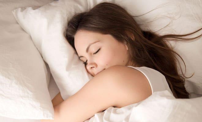 Dormir la siesta y sus beneficios para el corazón
