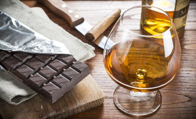 El chocolate negro y el aceite de oliva disminuyen el riesgo cardíaco