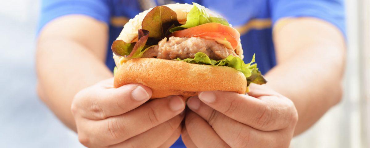 Consumo masivo de sodio en la niñez, aumenta riesgo cardiovascular en la adultez