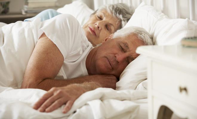 Dormir más de ocho horas aumenta el riesgo cardiovascular