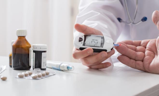 Medicamentos para la diabetes tipo 2 elevan el riesgo cardiovascular