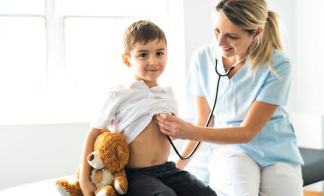 ¿Qué debo saber del dolor de pecho en niños y adolescentes?