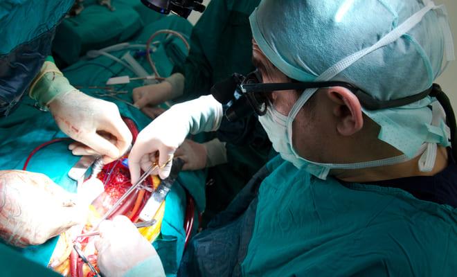 Reemplazo de válvula aórtica transcatéter