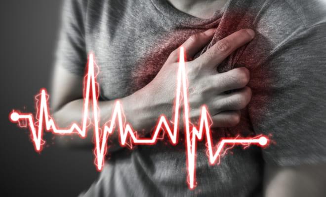 Los síntomas durante un infarto son diferentes en hombres y mujeres