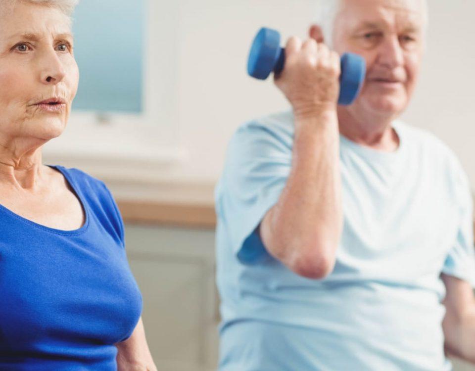 ¿Puedo levantar pesas si soy hipertenso?