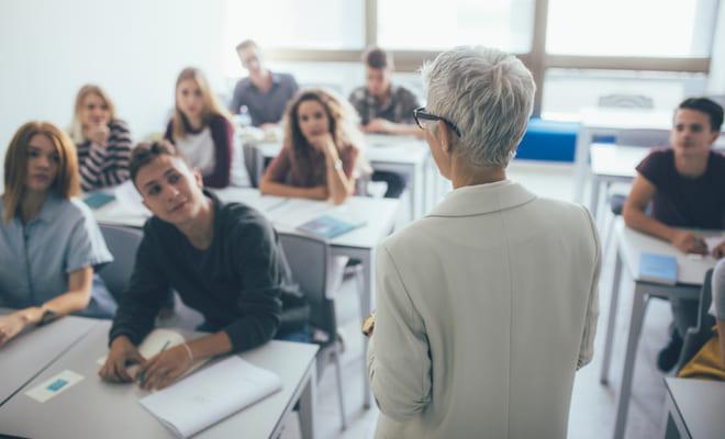 Ir a clases reduce el riesgo cardiovascular, según estudio
