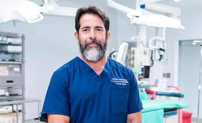 Conocimiento y humanismo: la vida del cirujano vascular Jorge Martínez Trabal