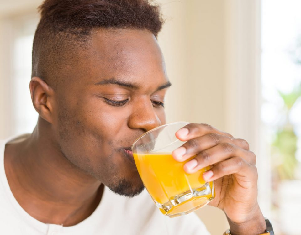 El zumo de naranja y sus múltiples beneficios para la salud cardiovascular