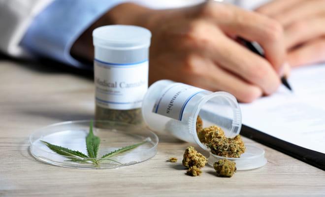 Consumo excesivo de cannabis después de una cirugía aumentaría riesgo de infarto